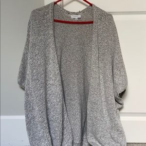 Aritzia sweater oversized size medium